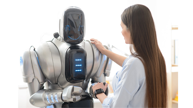 Trío con un robot sexual