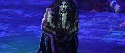 Yuri interpreta a 'Grizabella'.